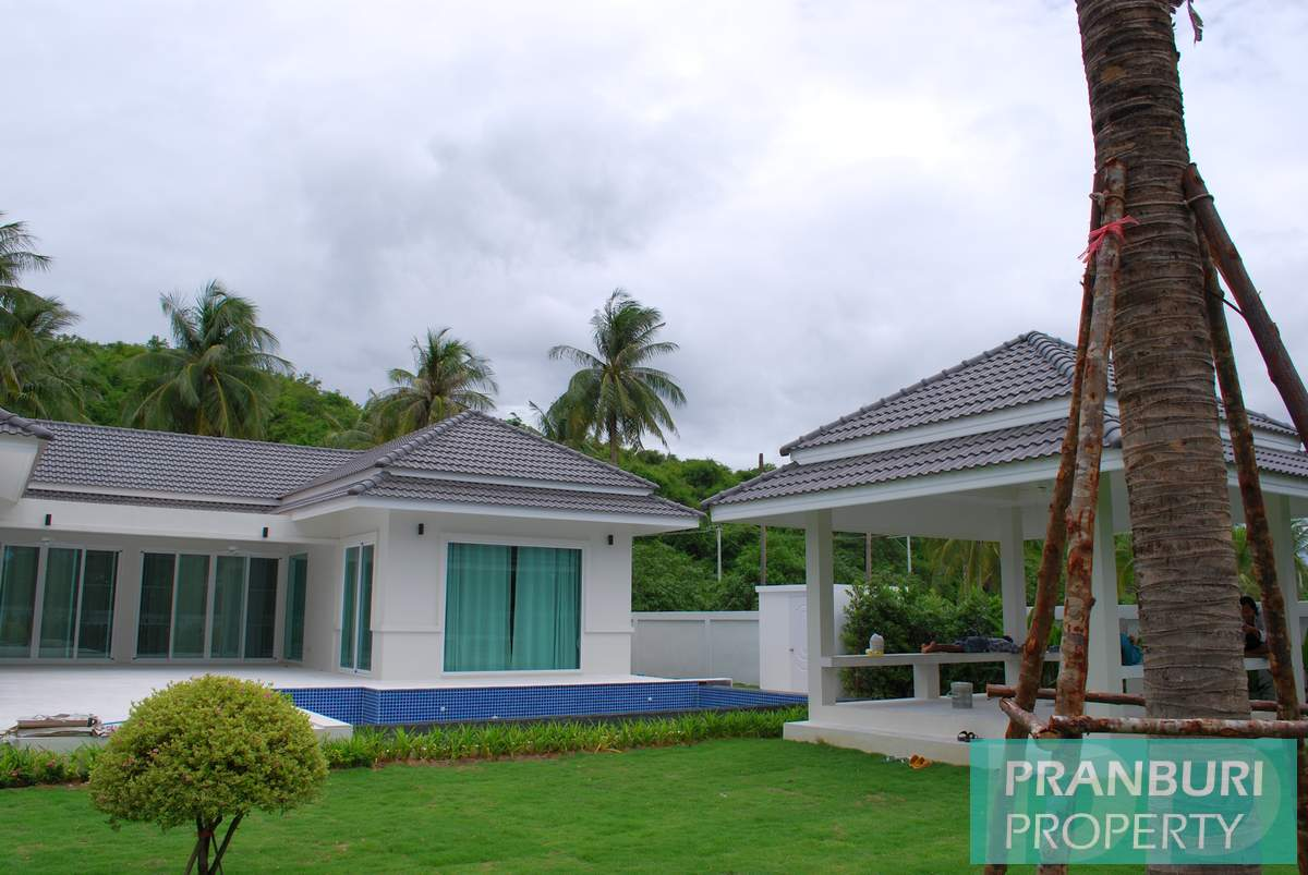 White Beach Villas New Development In Sam Roi Yot Pranburipranburi