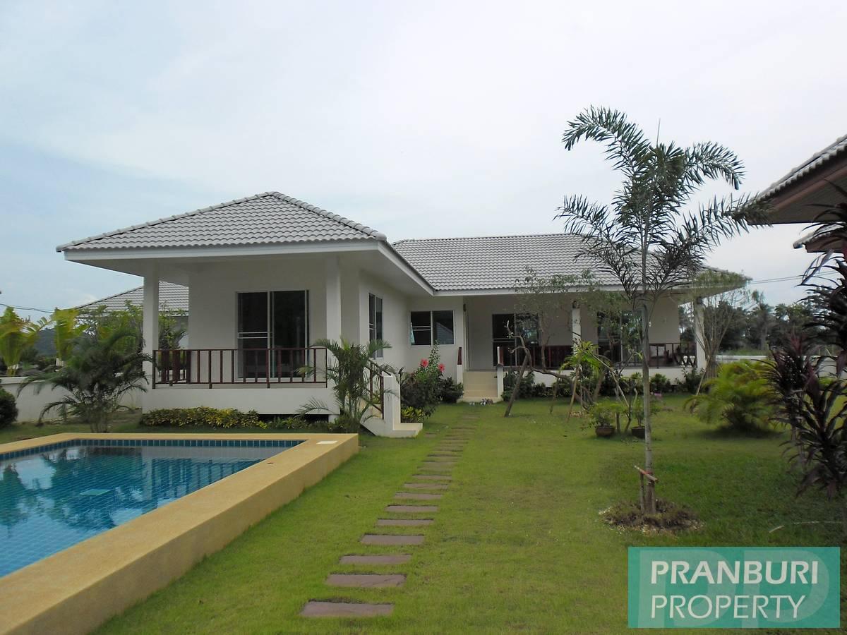 Mountain view pool villa in sam roi yot pranburi dolphin for 1332 park terrace