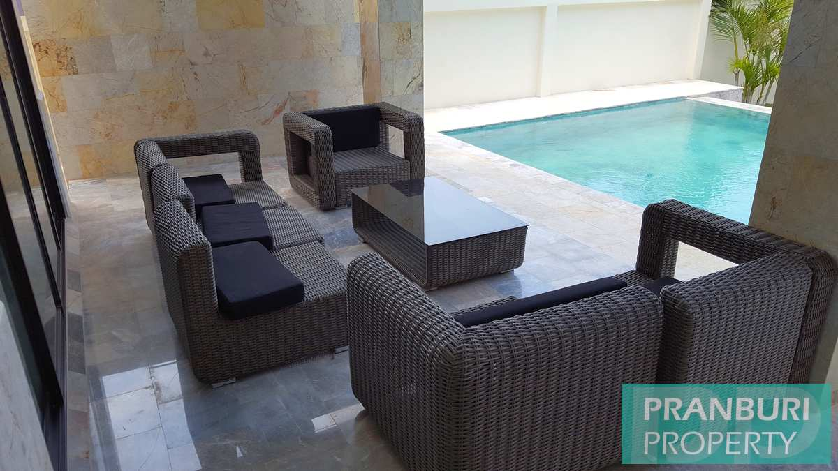 brand new quality villa in excellent central hua hin