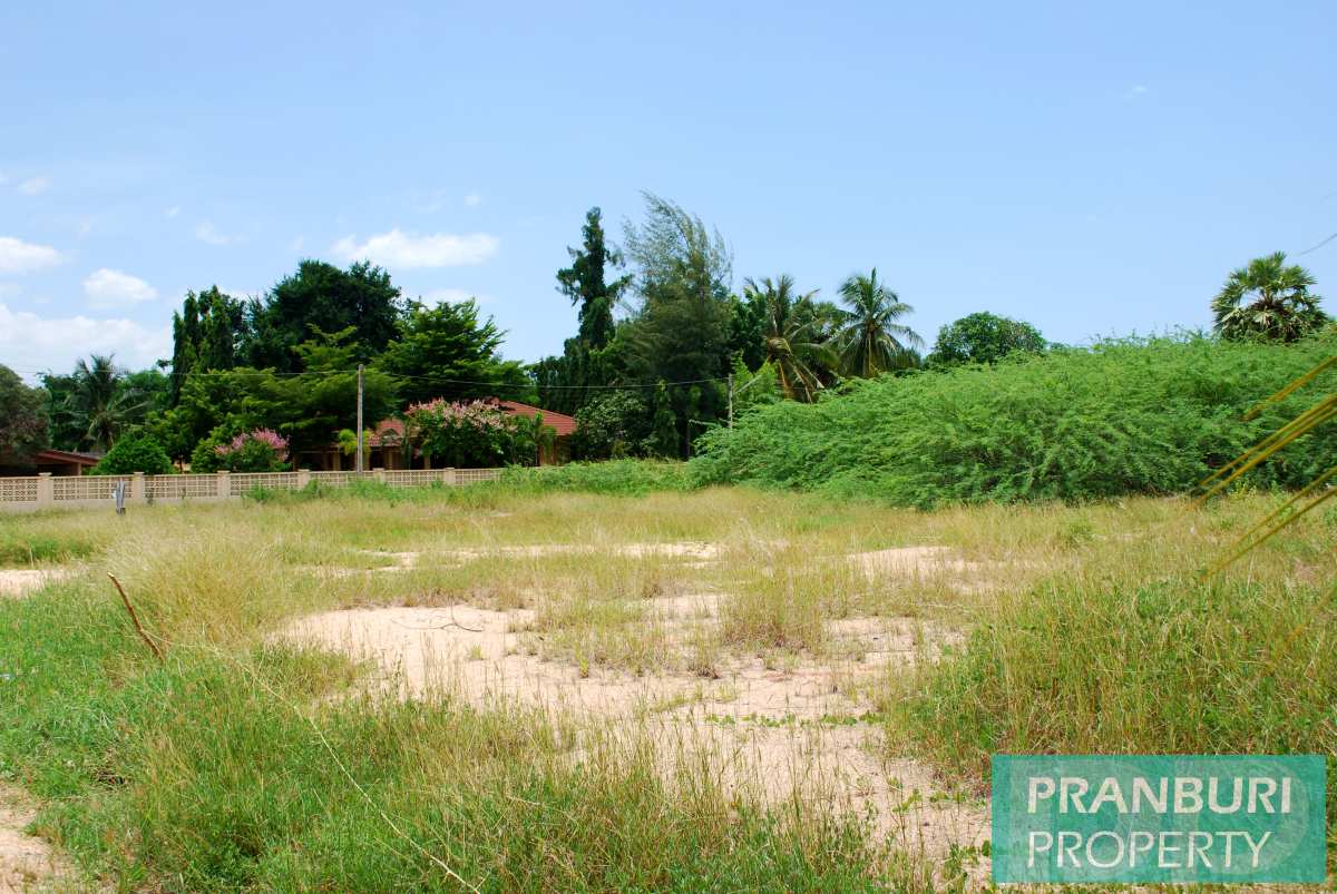 Perfect land parcel for sale 220m to Cha Am beach perfect for house ...