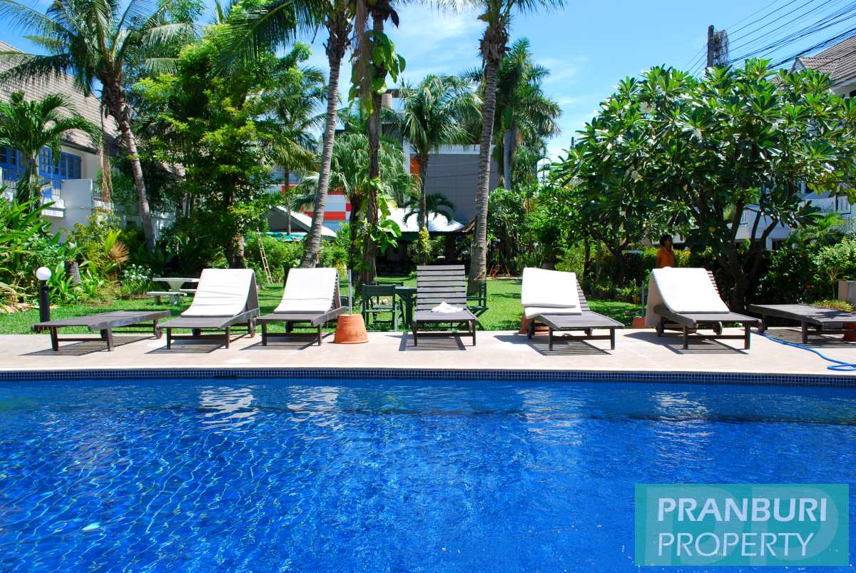 4 bedroom townhouse 270m to Khao Takiab beach south Hua HinPranburi ...